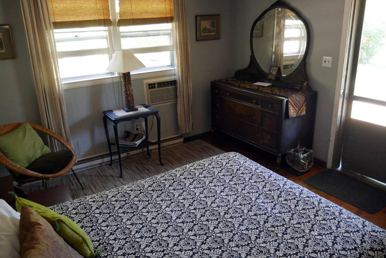 Room 17, Sage Cottage