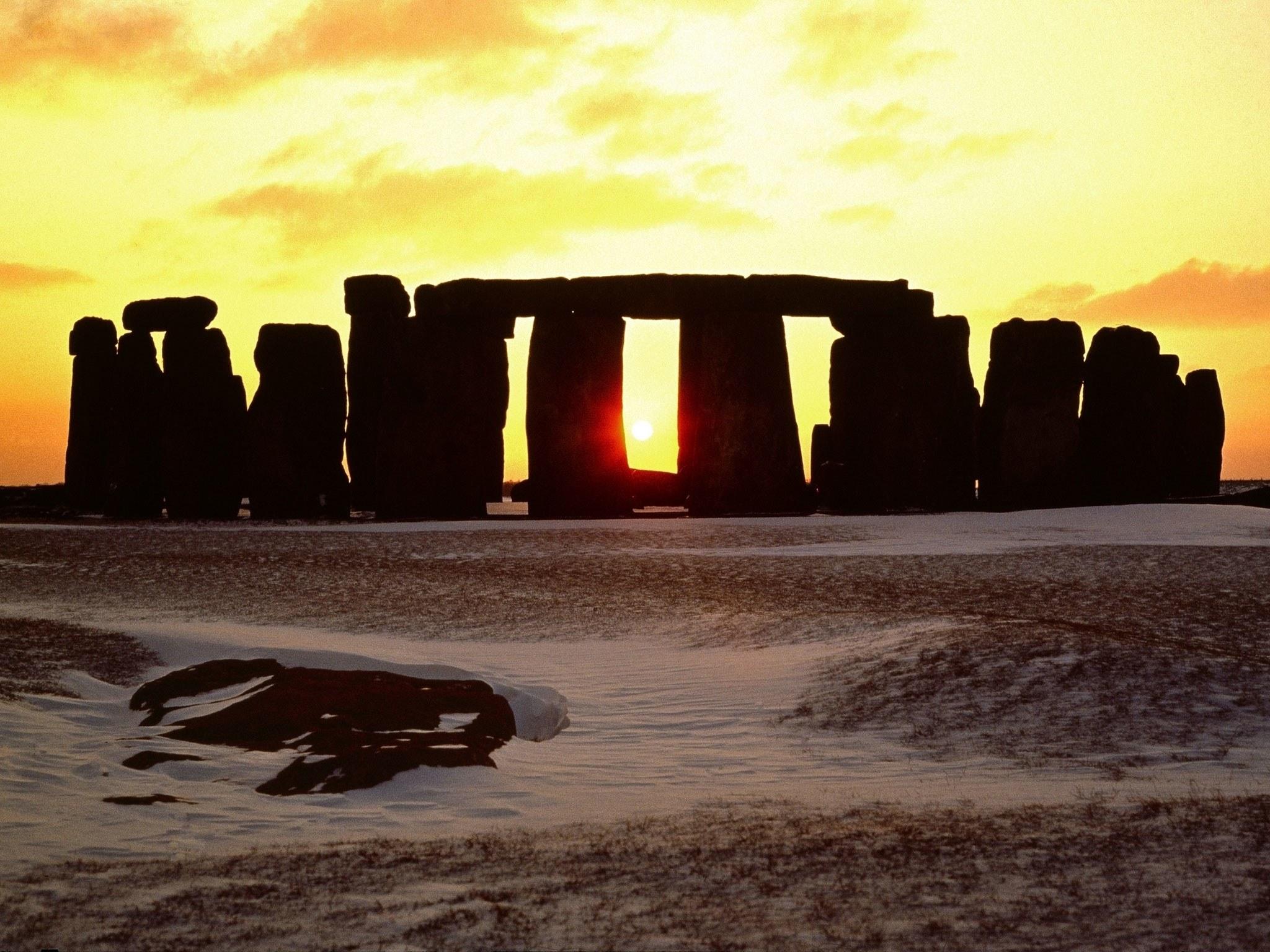 stonehenge-england-winter-solstice.jpg