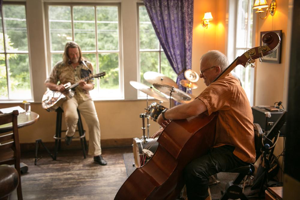 The Bobby MacVeety Trio