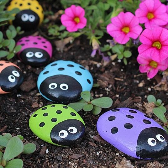 Ladybug-Painted-Rocks.jpg