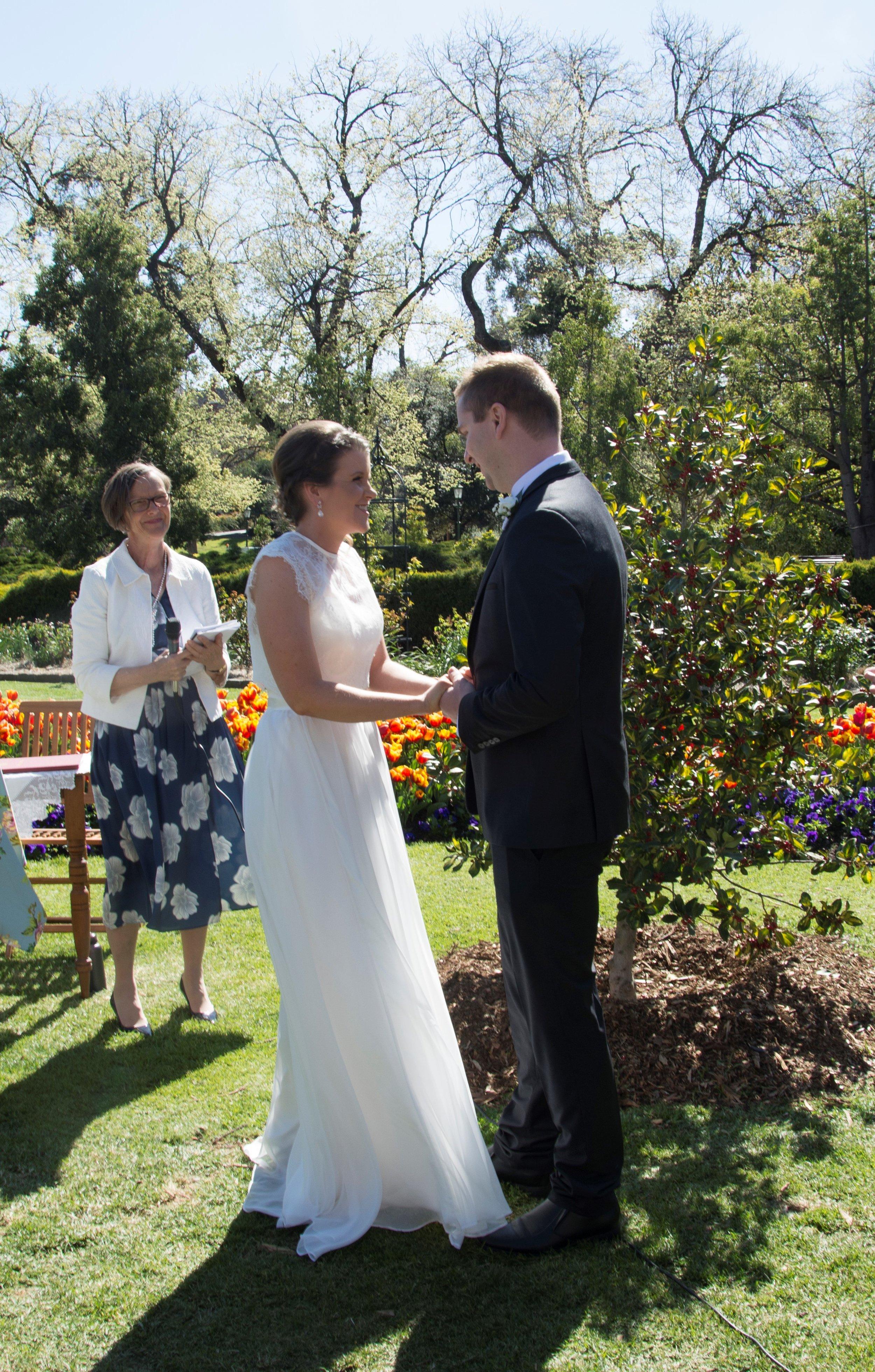 Image: Noni Hyett, Conservatory Gardens wedding, Bendigo