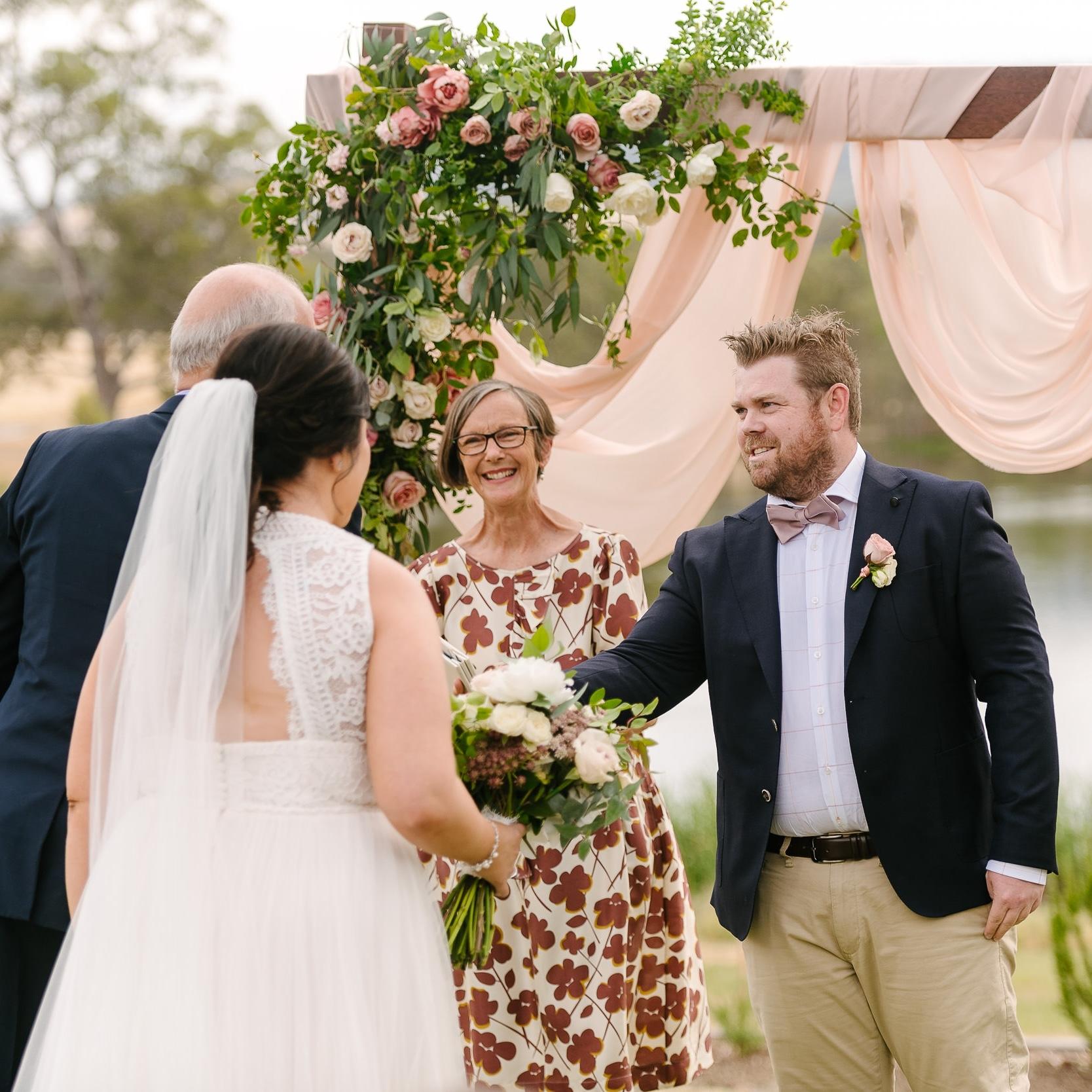 Image: Justin & Jim Photographers, Sutton Grange Winery wedding