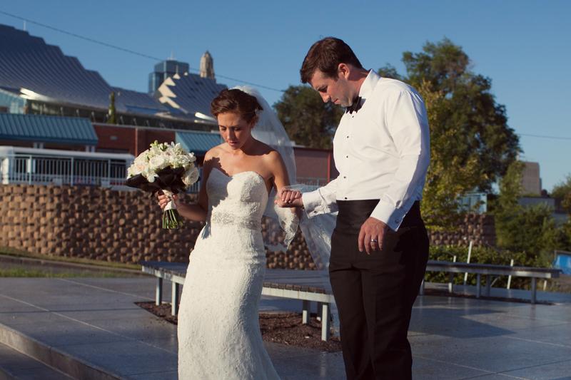jason_domingues_photography_IC_intercontinental_hotel_kansas_city_mo_missouri_wedding_Studio_Dan_Meiners0025.jpg
