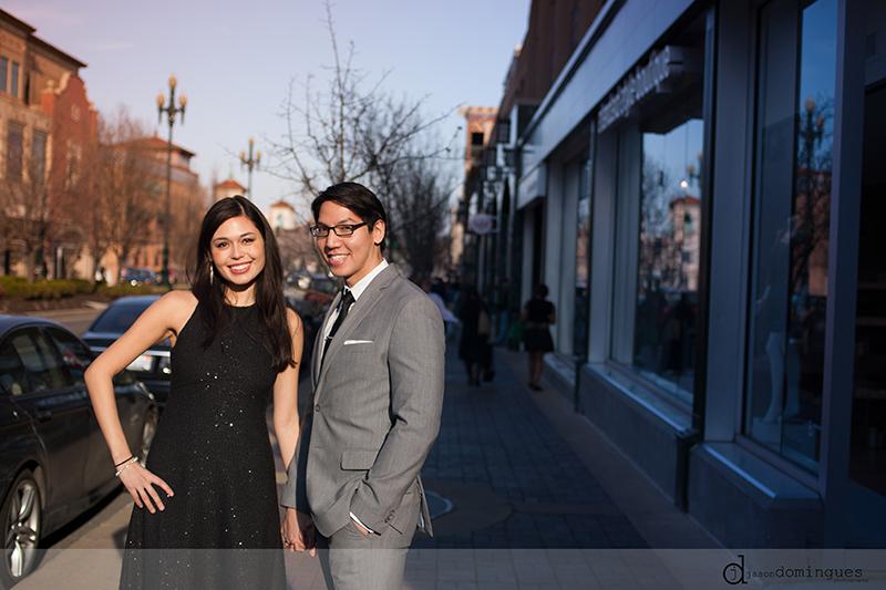 jason-domingues-photography-engagement-session-plaza-kansas-city-downtown-midtown-liberty-memoral-0003