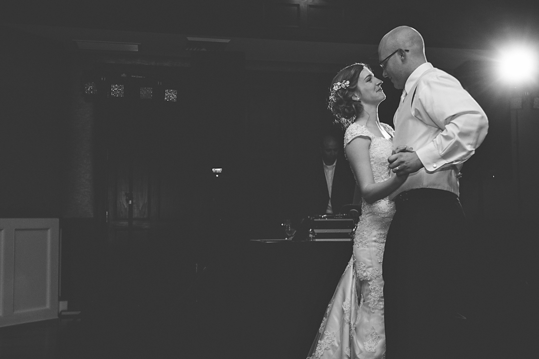 Carriage_club_kansas_city_mo_Missouri_kansas_ks_creative_wedding_photographer_best_jason_domingues_0025