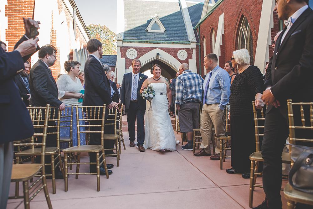abbey-grill-rhode-island-wedding-photographer-jason-domingues-photography-hannah-mark-blog-0009.jpg