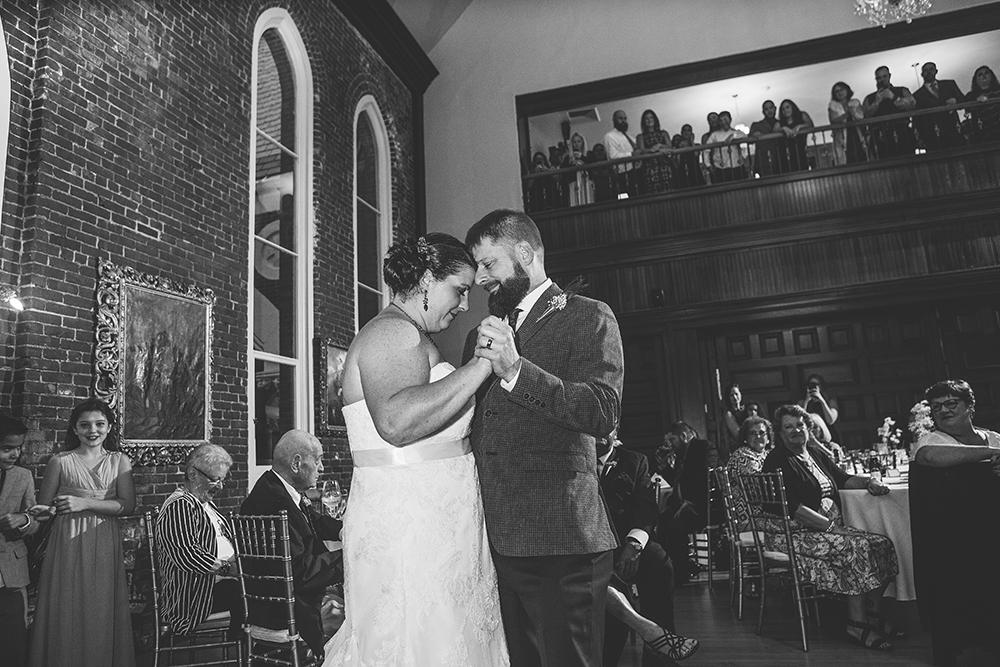 abbey-grill-rhode-island-wedding-photographer-jason-domingues-photography-hannah-mark-blog-0033.jpg
