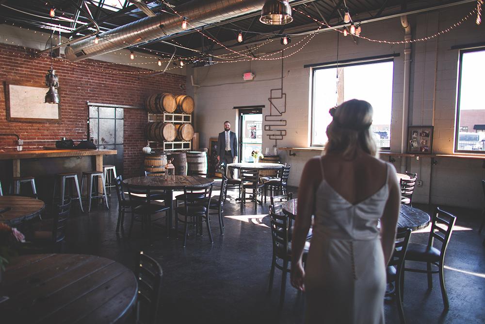 cinder-block-brewery-kansas-city-wedding-photographer-jason-domingues-photography-justyn-jeff-blog-0003.jpg