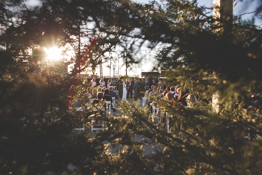 cinder-block-brewery-kansas-city-wedding-photographer-jason-domingues-photography-justyn-jeff-blog-0018.jpg