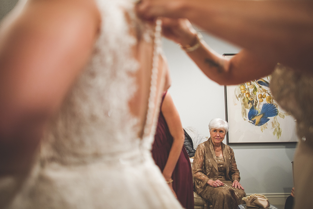 president-hotel-kansas-city-wedding-photographer-jason-domingues-photography-emily-jeff-blog-0008.jpg