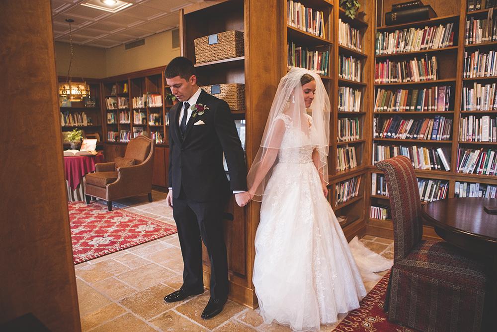 president-hotel-kansas-city-wedding-photographer-jason-domingues-photography-emily-jeff-blog-0012.jpg