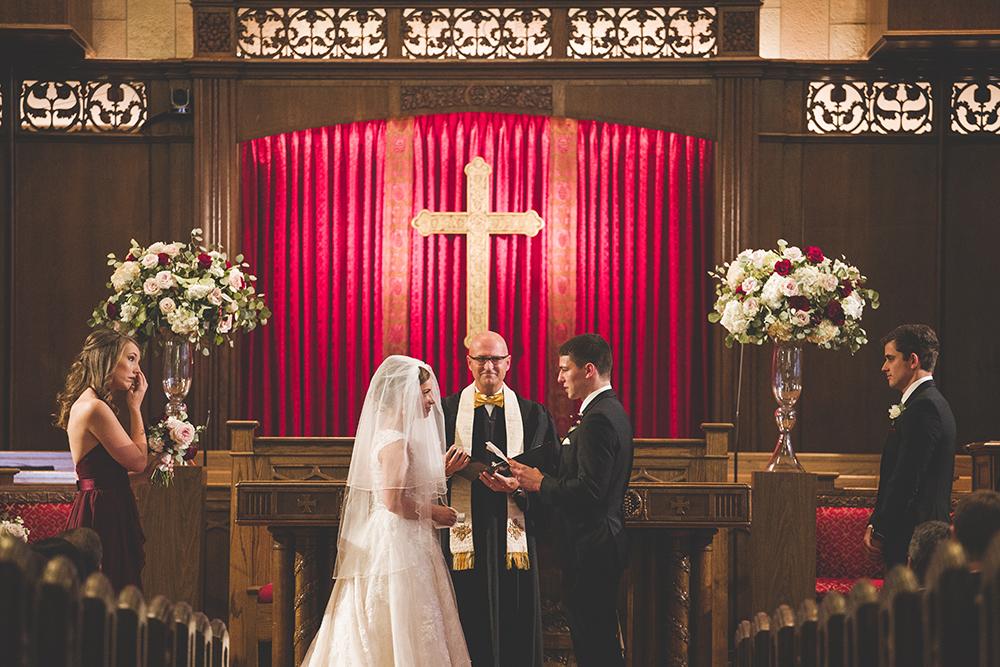 president-hotel-kansas-city-wedding-photographer-jason-domingues-photography-emily-jeff-blog-0018.jpg