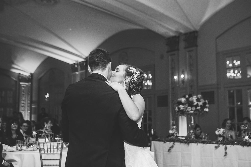 president-hotel-kansas-city-wedding-photographer-jason-domingues-photography-emily-jeff-blog-0033.jpg