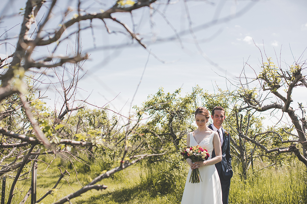 weston-red-barn-farm-kansas-city-wedding-photographer-jason-domingues-photography-kellyn-tony-blog-0014.jpg