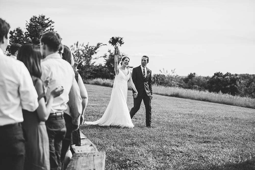 weston-red-barn-farm-kansas-city-wedding-photographer-jason-domingues-photography-kellyn-tony-blog-0032.jpg