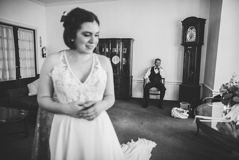 milburn-country-club-kansas-city-wedding-photographer-jason-domingues-photography-hannah-nathan-blog-0005.jpg