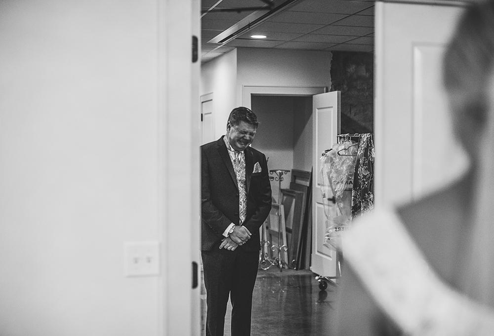 st-agnes-catholic-parish-kansas-city-wedding-photographer-jason-domingues-photography-molly-jacob-blog-0009.jpg