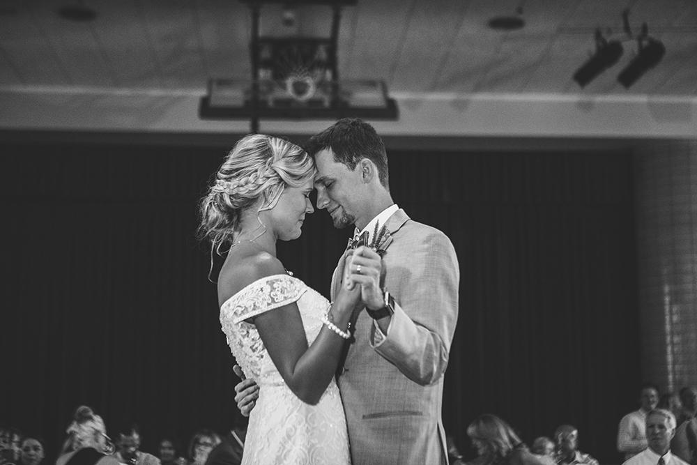 st-agnes-catholic-parish-kansas-city-wedding-photographer-jason-domingues-photography-molly-jacob-blog-0037.jpg