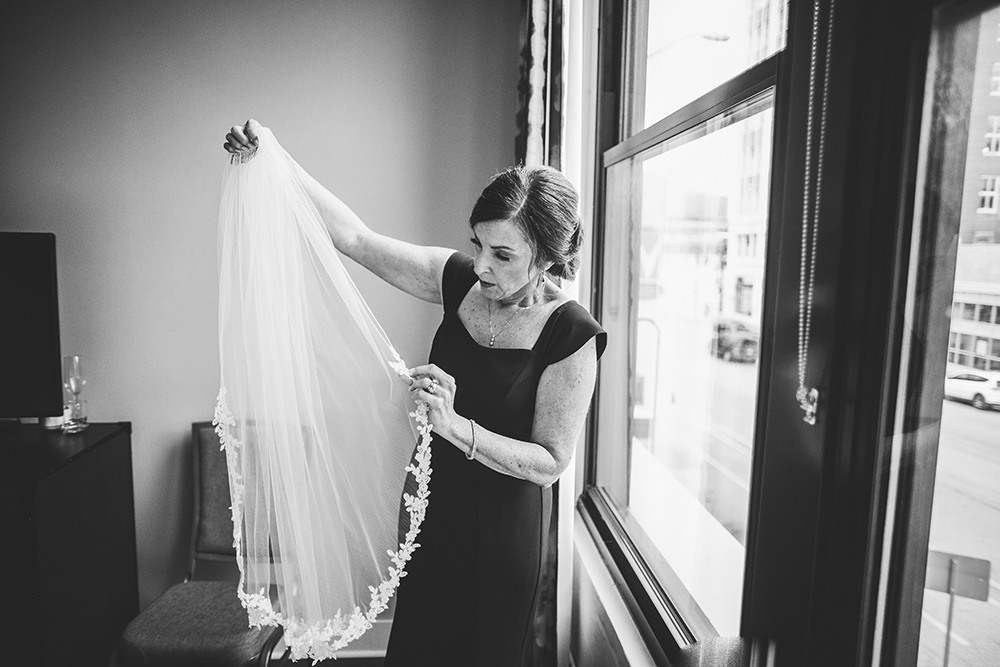 madrid-theatre-kansas-city-wedding-photographer-jason-domingues-photography-stephanie-dave-blog-0007.jpg