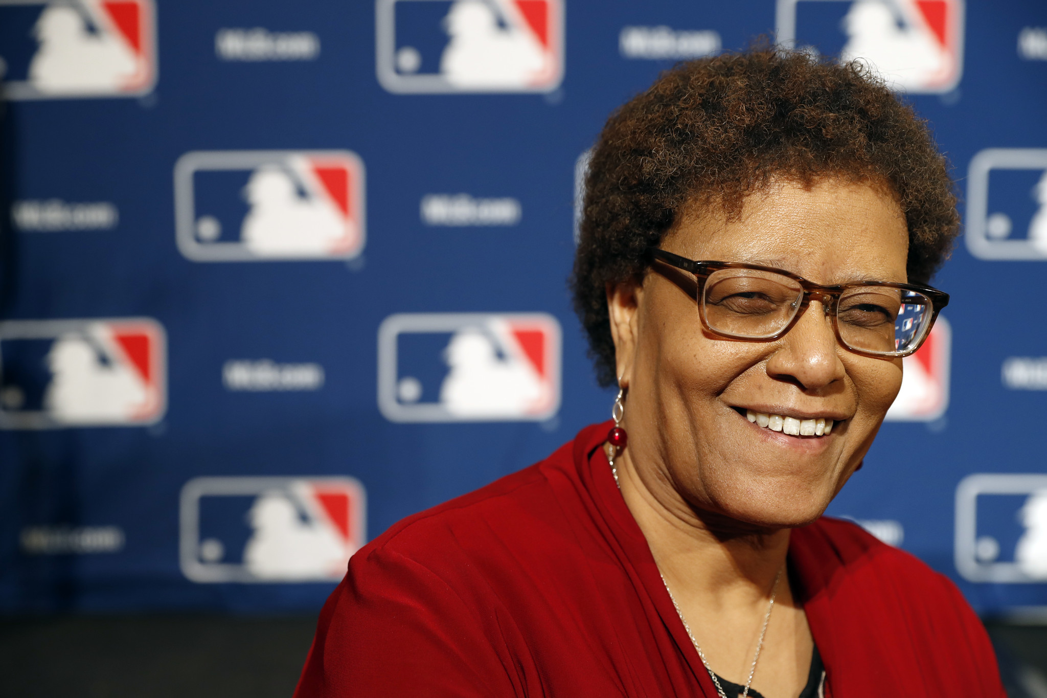 bal-claire-smith-becomes-the-first-female-baseball-writer-to-win-bbwaa-s-prestigious-spink-award-20161206.jpg