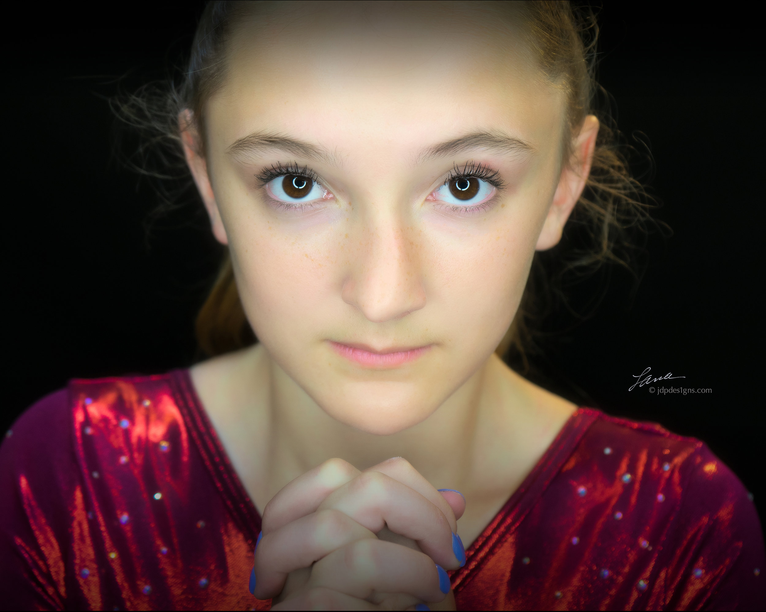 Lyndsey Face 2.jpg