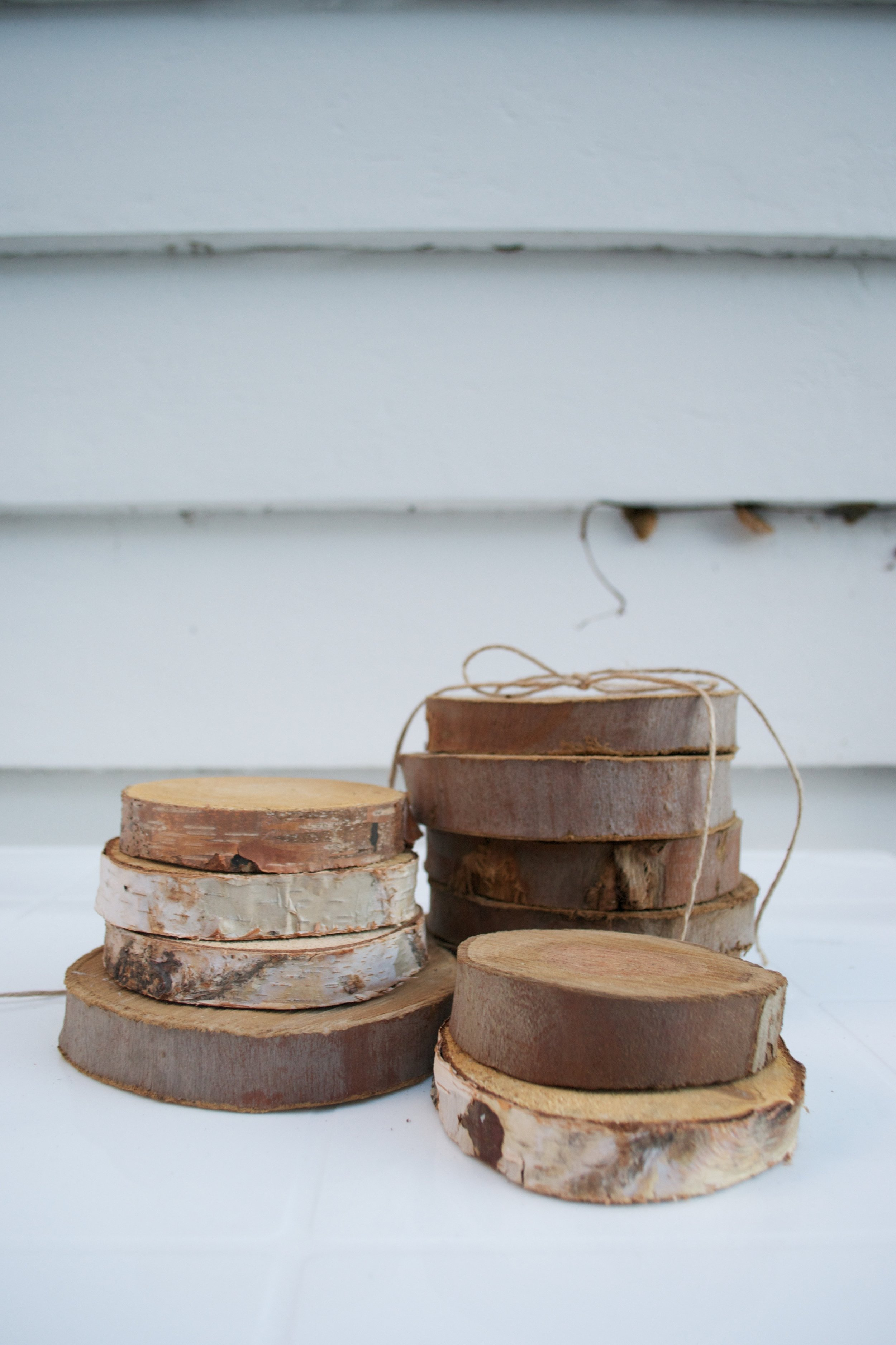 small wooden rounds x10 50c each