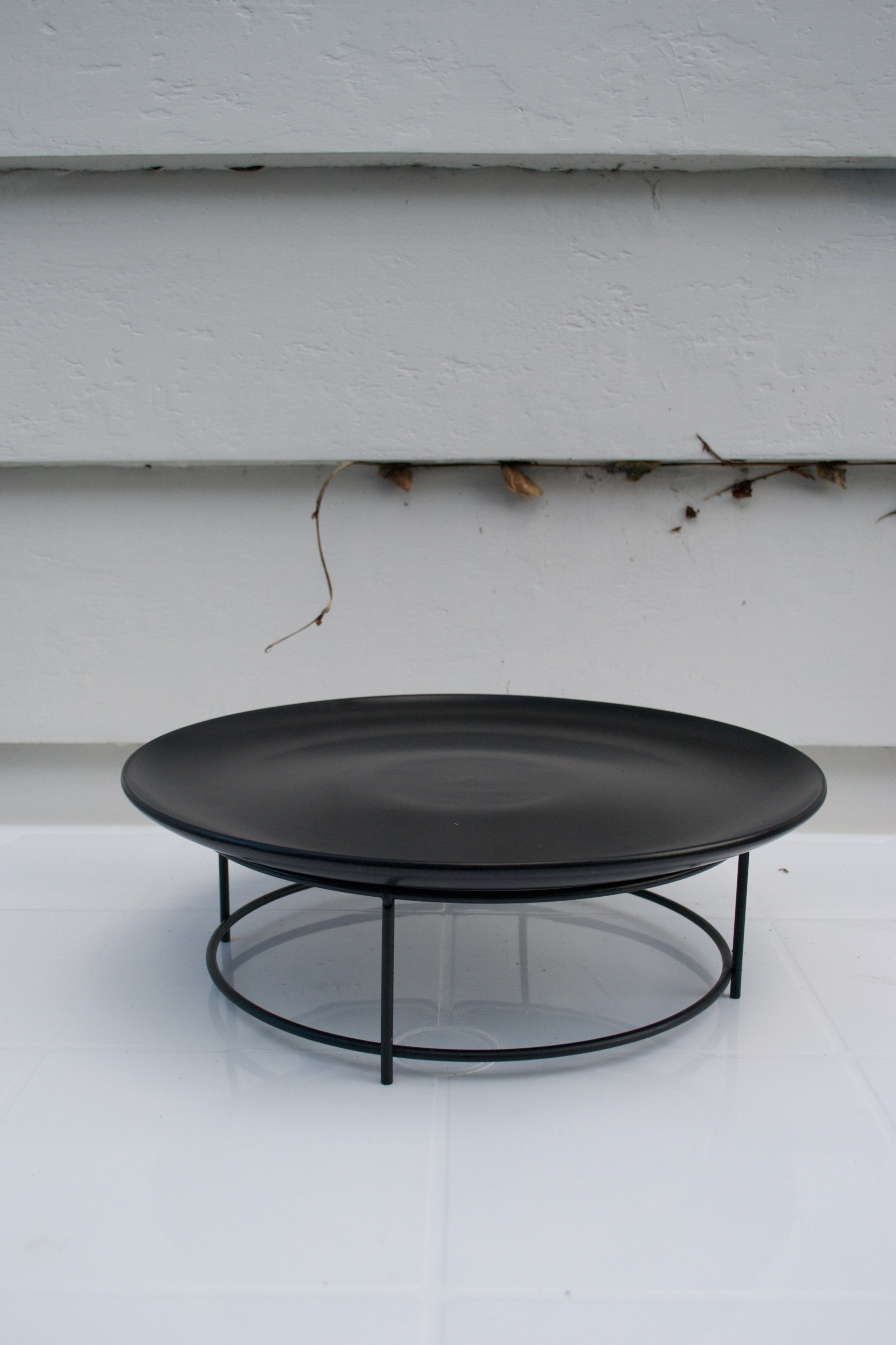 large black plate with stand x2 $10 each