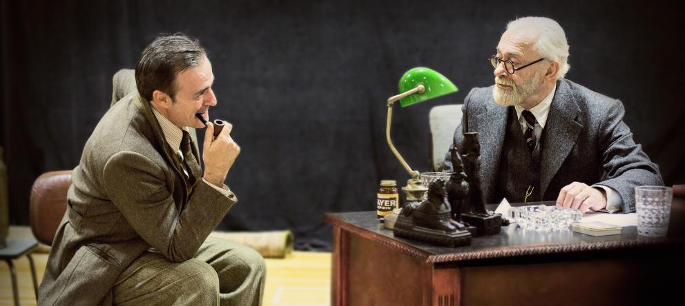 Eleazar Ortiz y Helio Pedregal en  La última sesión de Freud , España*