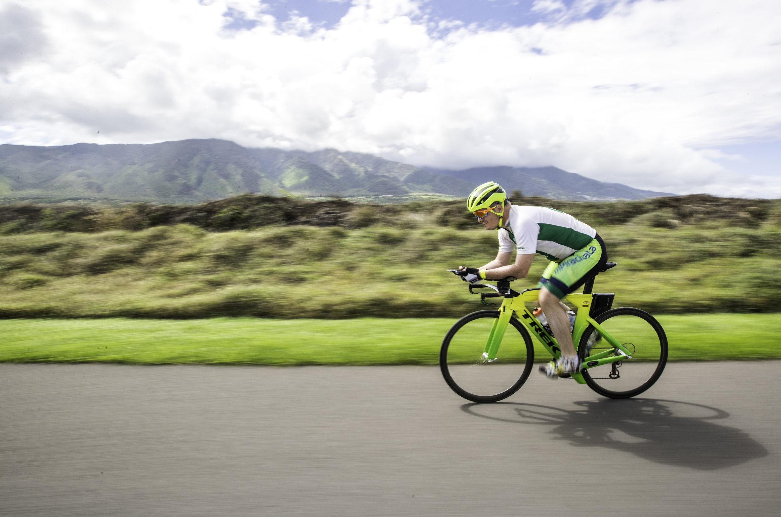 triathlon biking hawaii maui sports photographer