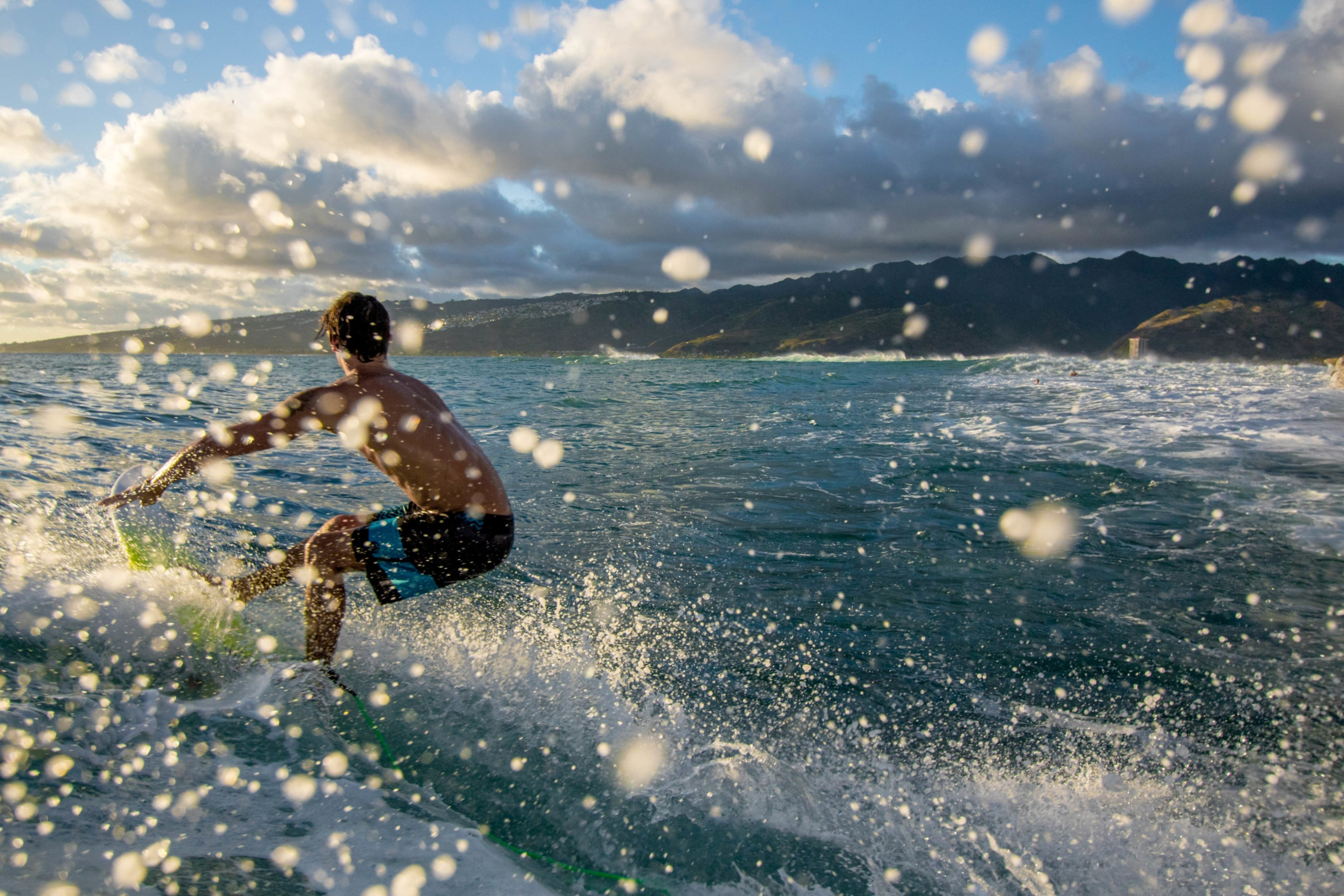 surfing hawaii china walls