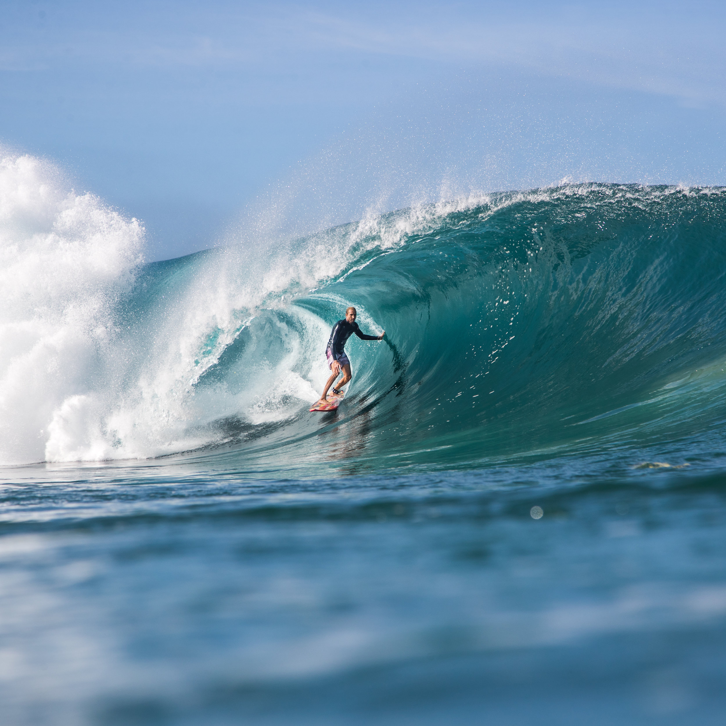surfing pipeline photography