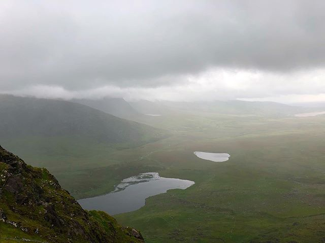 A rainy day at Connor's Pass. We rain out, too the picture, and ran back into the car like we were going to melt. This lead to the discovery that once you are wet in Ireland you are going to stay wet. #conorpass #ireland #roadtrip #travel #mist #wanderlust #1ms2019