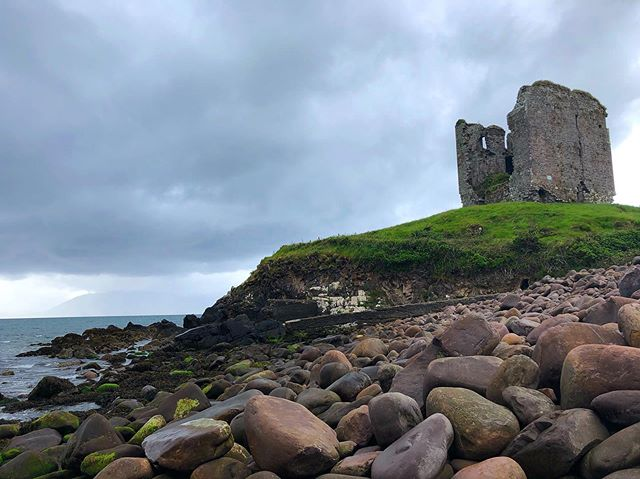 It is like these ancient castles were put up to be purposely picturesque. #minardcastle #ireland #dinglepenninsula #roadtrip #castle #sea #travel #wanderlust #1ms2019