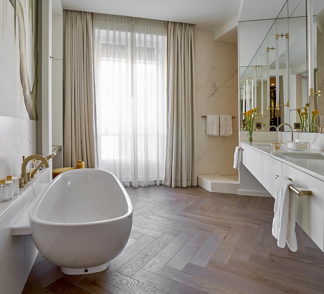 19 ilovecoloursstudio_Master Bath2.jpg