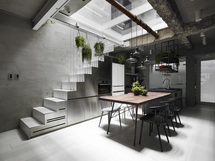 house-w-1.jpg