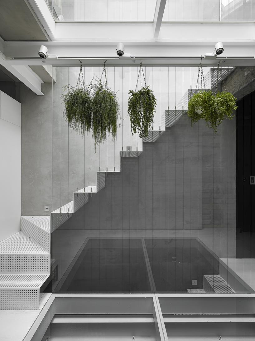 house-w-6.jpg