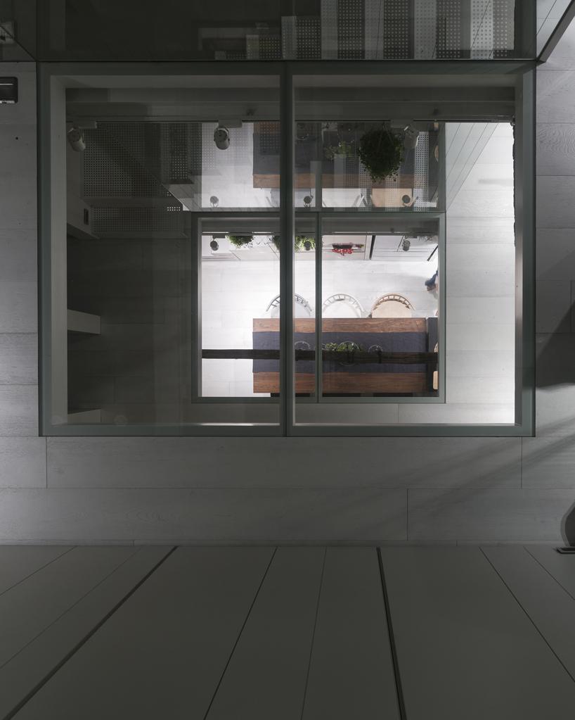 house-w-12.jpg