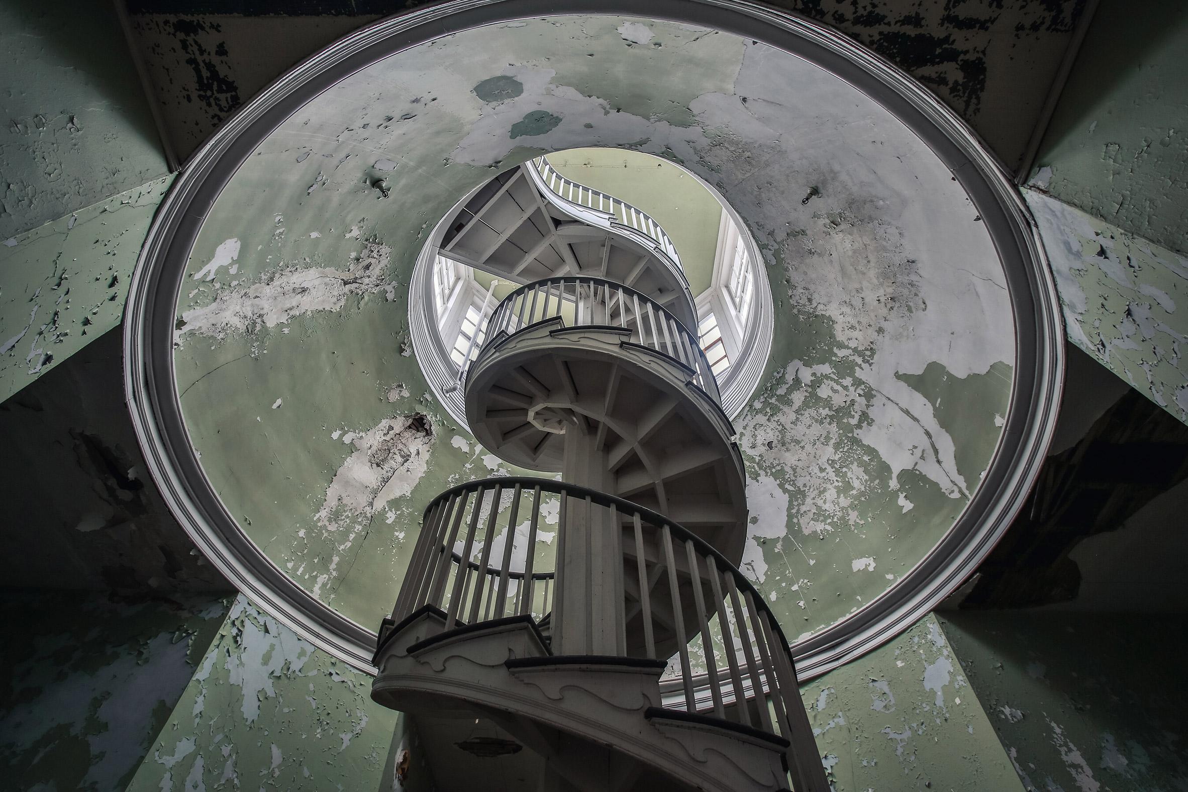 Abandoned-Asylums-5.jpg