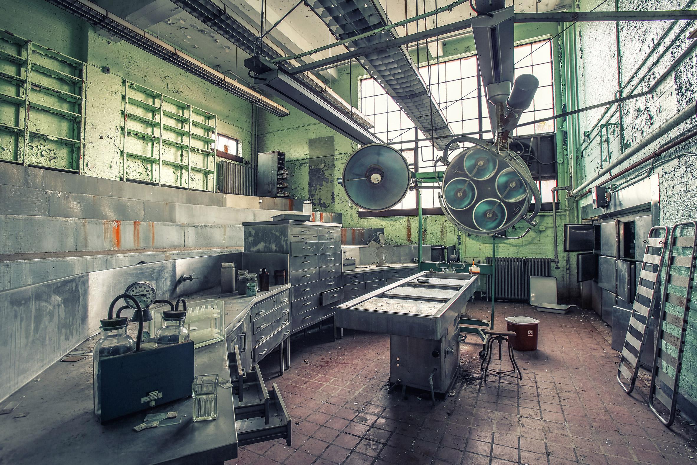 Abandoned-Asylums-9.jpg