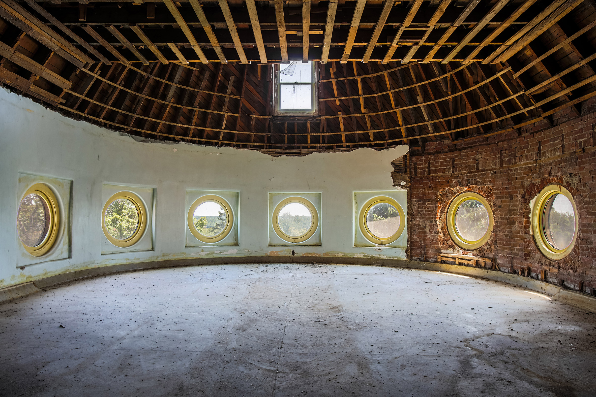 Abandoned-Asylums-10.jpg