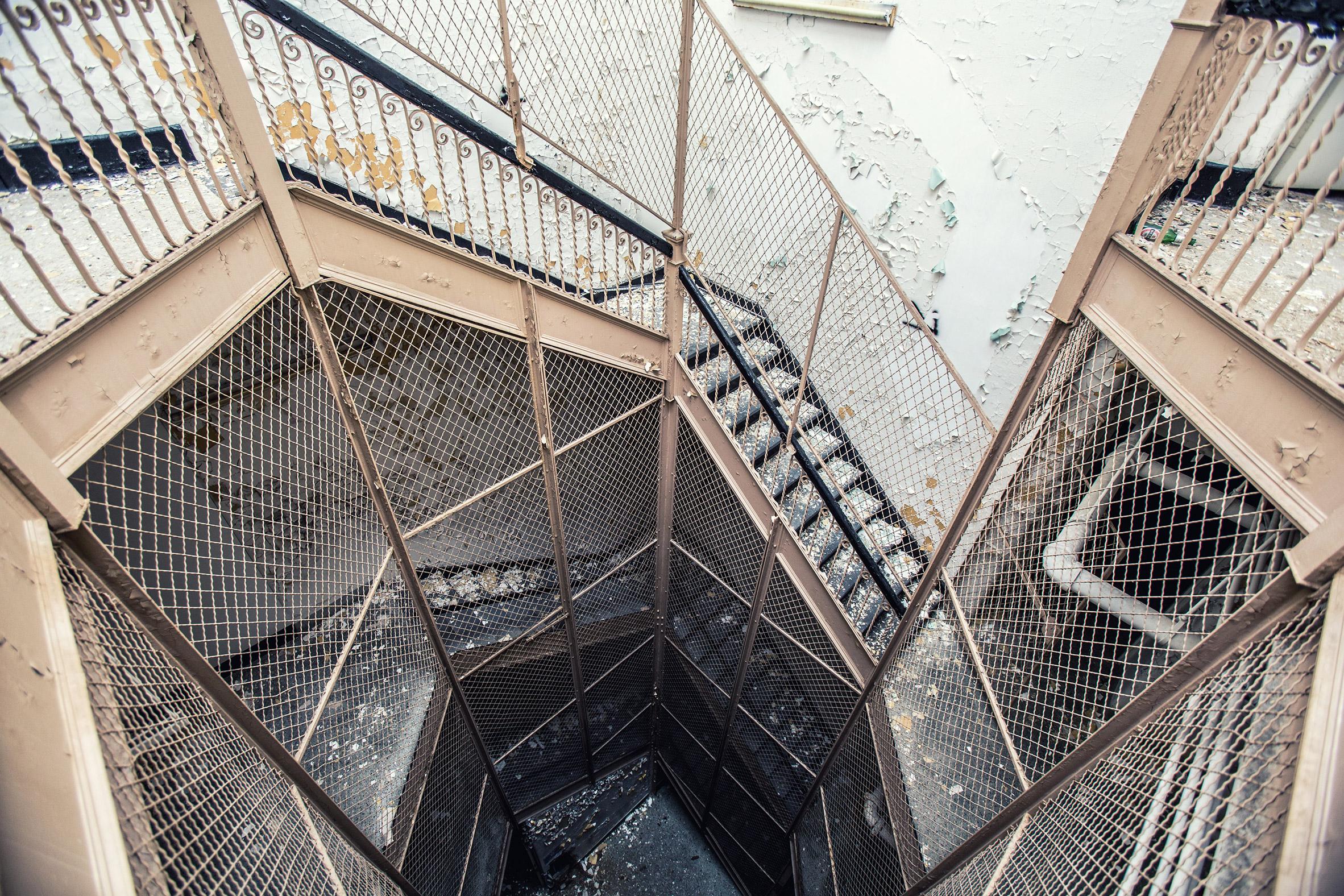 Abandoned-Asylums-11.jpg