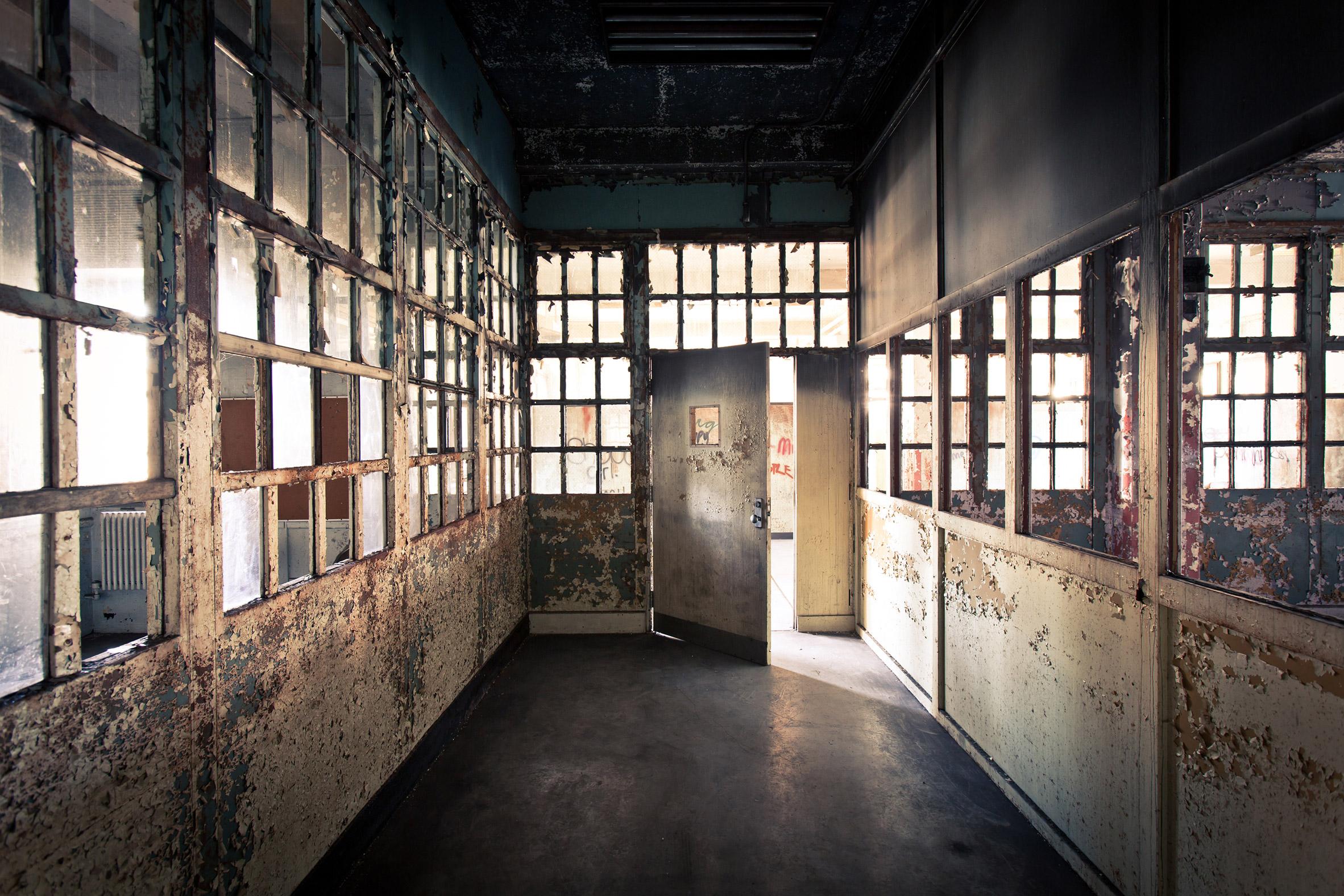 Abandoned-Asylums-12.jpg