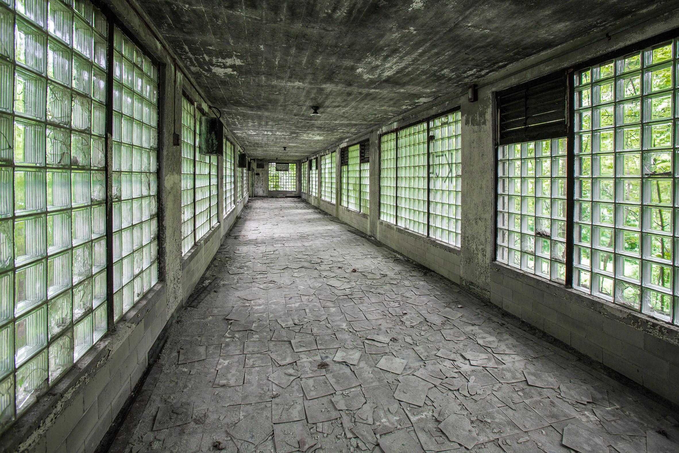 Abandoned-Asylums-13.jpg