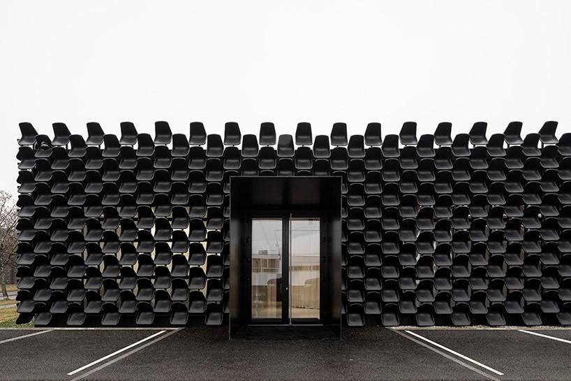 chybik-kristof-architects-dva-furniture-pavilion-czech-republic-designboom-03-818x545.jpg