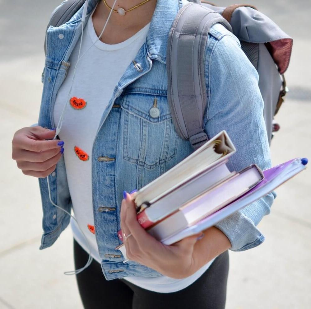 backpack-jeans-jacket-woman-of-wonder-element5-digital.jpg