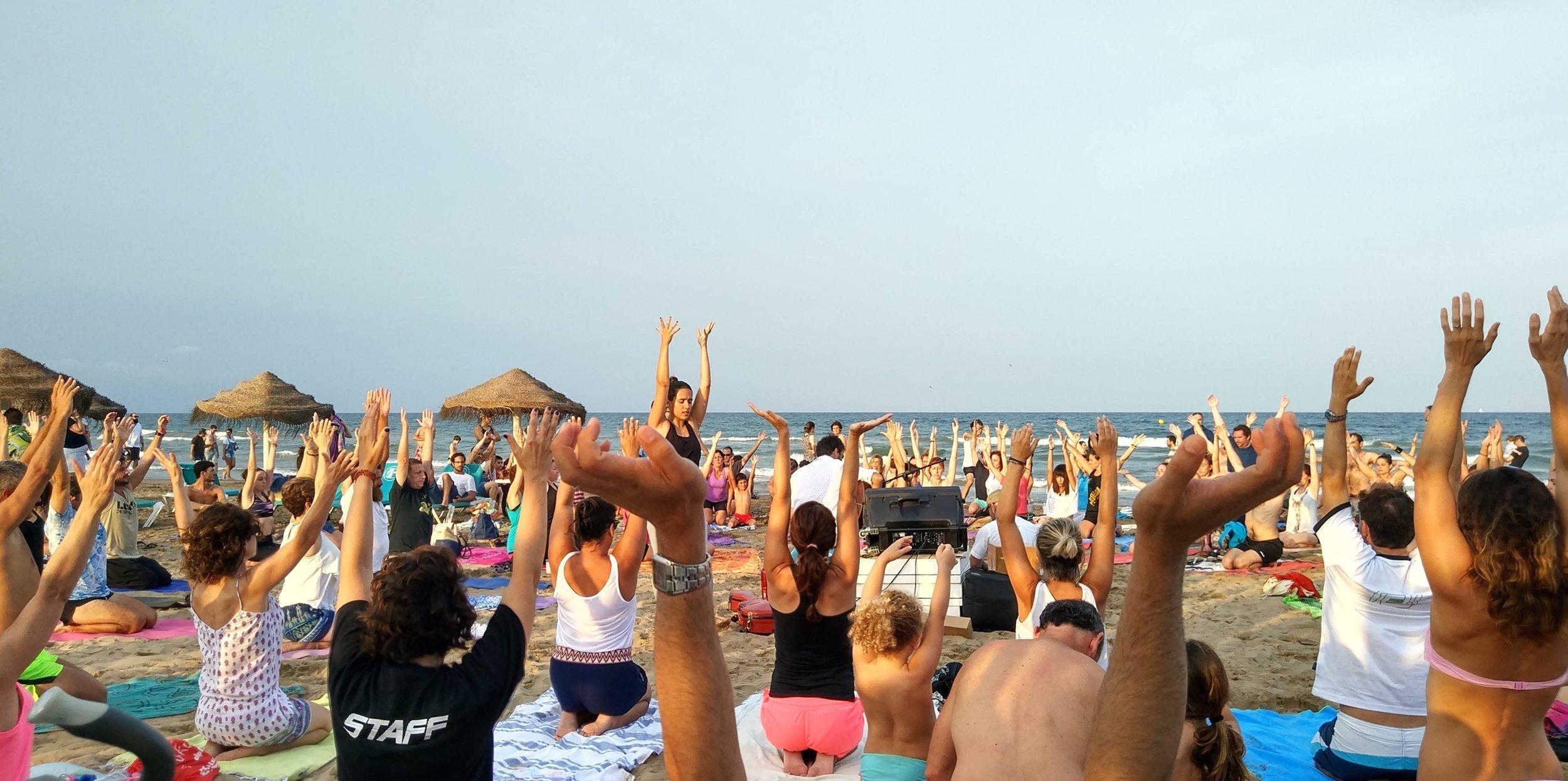 clases yoga grupos valencia