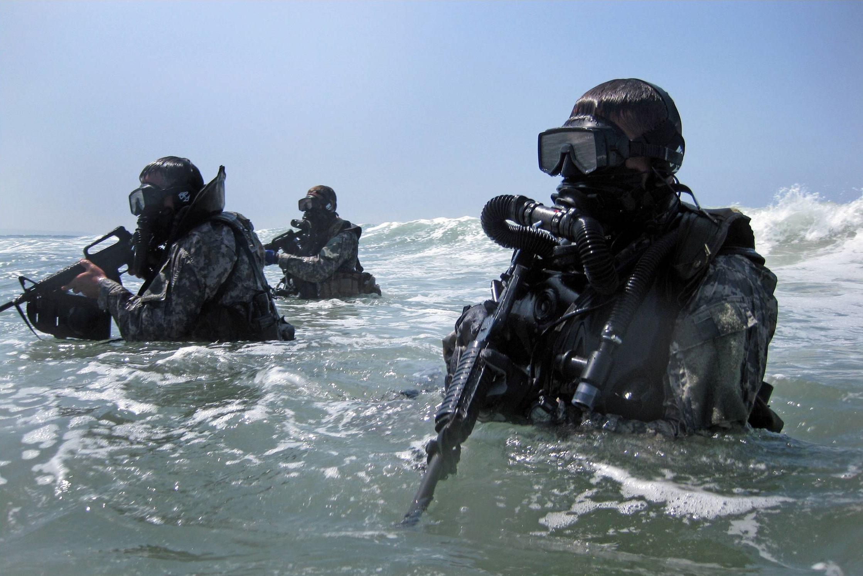special-forces-divers-hr.jpg