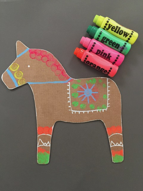DIY Cardboard Dala Horse 4
