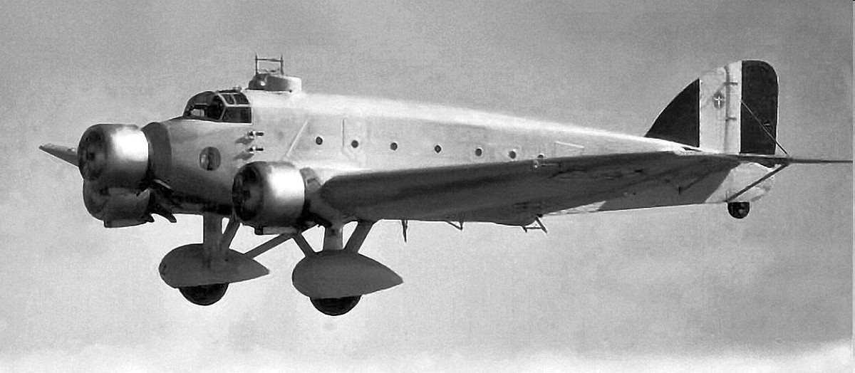 Savoia-Marchetti SM81 - By Unknown - /www.facebook.com/Regia.Aeronautica.1923.46/photos, Public Domain, https://commons.wikimedia.org/w/index.php?curid=47957570