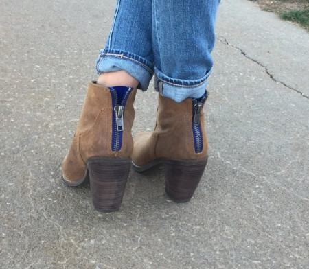 Love the zipper detail on these booties!